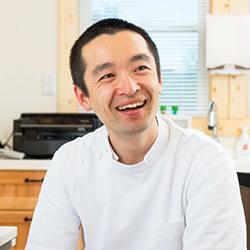 國井 隆英 先生