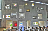 FRA, Frankreich, Ronchamp, Kapelle Notre-Dame Du Haut von Architekt Le Corbusier erbaut 1950 - 1954. ©(c)Thomas Mayer/arturimages, hello@arturimages.com; Veroeffentlichung nur gegen Honorar, Urhebervermerk und Beleg / permission required for reproduction, mention of copyright, complimentary copy; Bankverbindung / bank account and sorting code: Postbank , Konto 3582 05 03, BLZ 370 100 50; IBAN: DE 63 3701 0050 0035 8205 03, BIC: PBNKDEFF, U.St.ID / V.A.T.: DE 811 983 492]